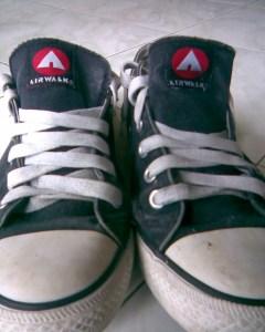 Sepatu Buluk-ku