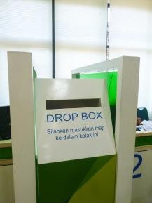 Bukan dropbox.com ya.. 😁